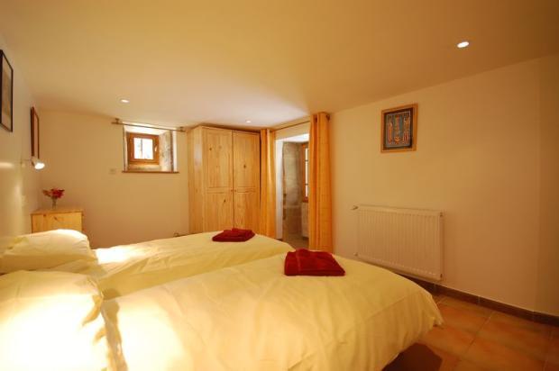 Gote 2 Bedroom 1