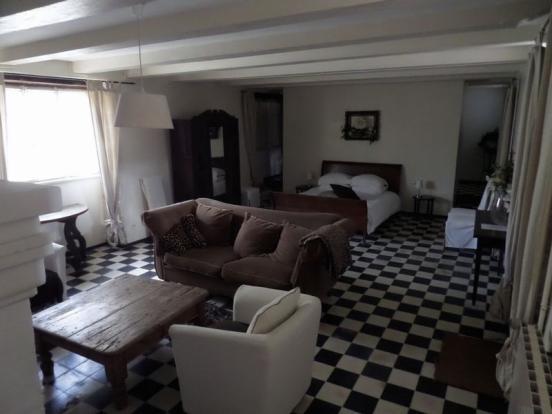 Suite 1 Bed