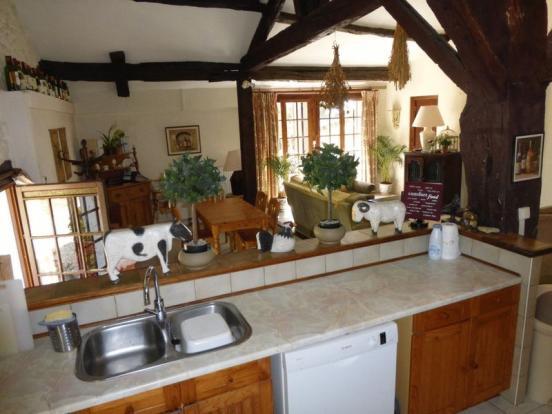 Cottage kitchen to