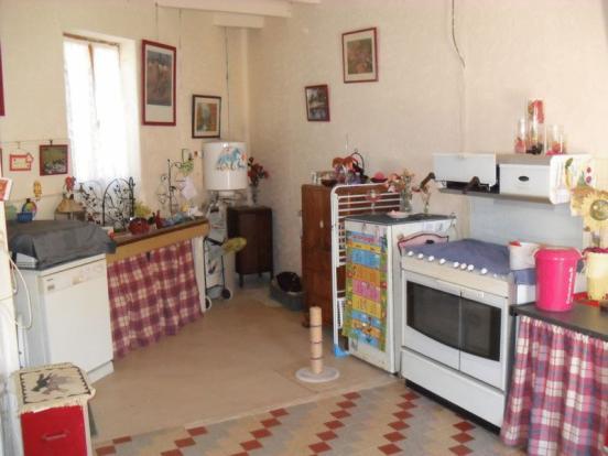 Summer kitchen, off