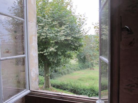 Large windows,...