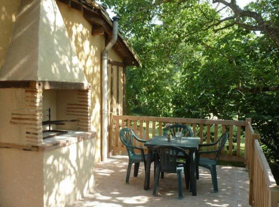 Cottage BBQ Terrace