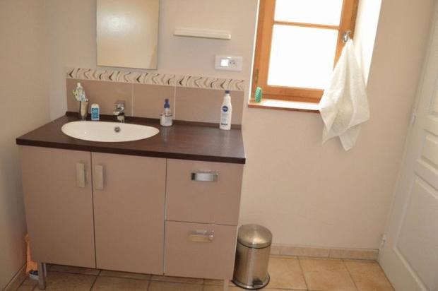 Apartment washbasin