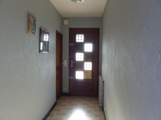 Front door/Porte...