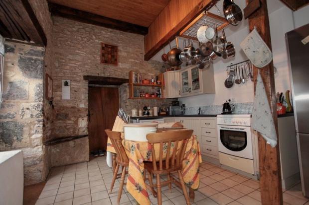 Kitchen ( Front...
