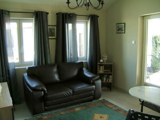 Living room (guest)