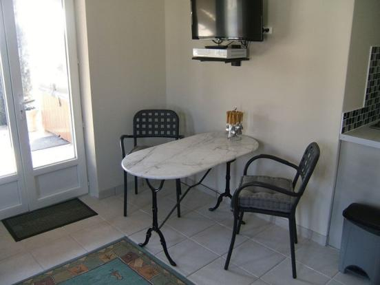 Dining area (guest)