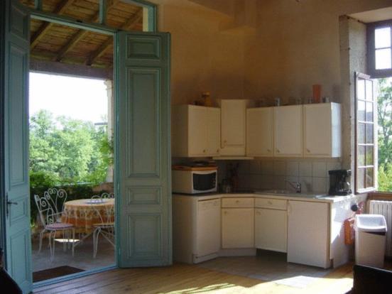 Apts Kitchen