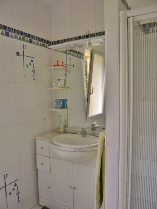 Suite 2 shower room