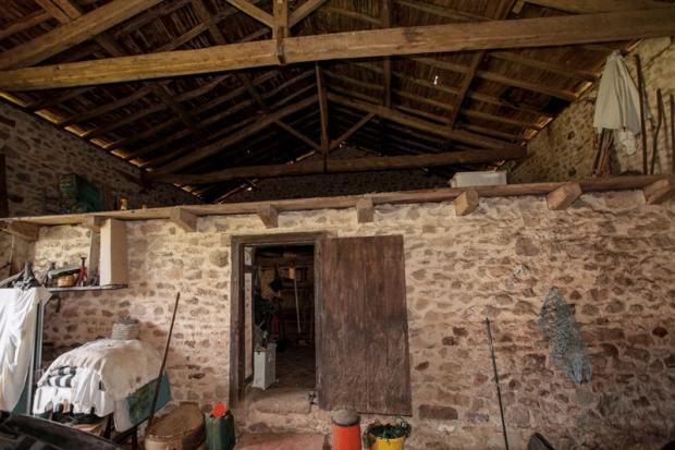 Barn/ Garage 2-...