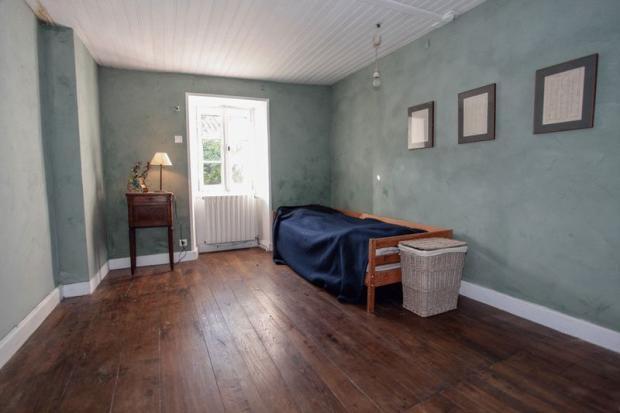 Bedroom 1 -1st flr