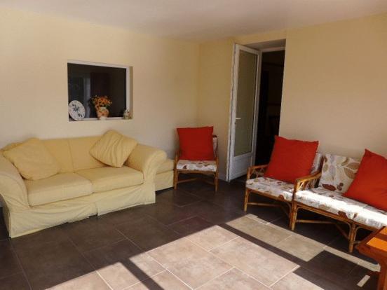 Sun Room - Lounge