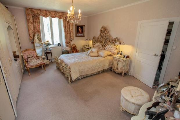 Bedroom 2 - with en
