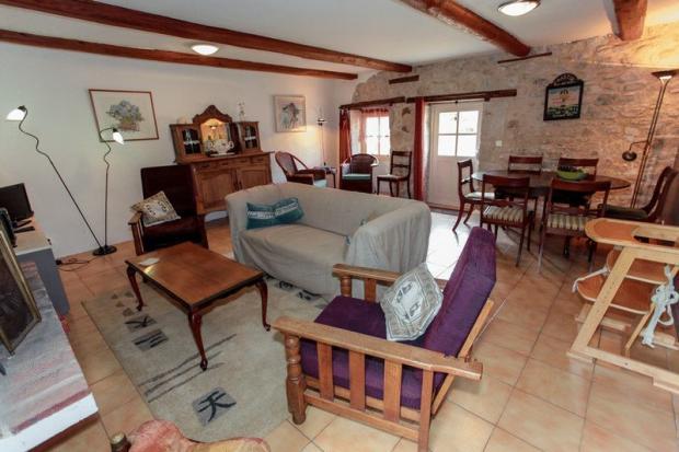 Gite 2 - living room