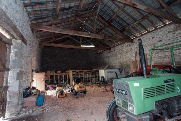 barn for vehicles