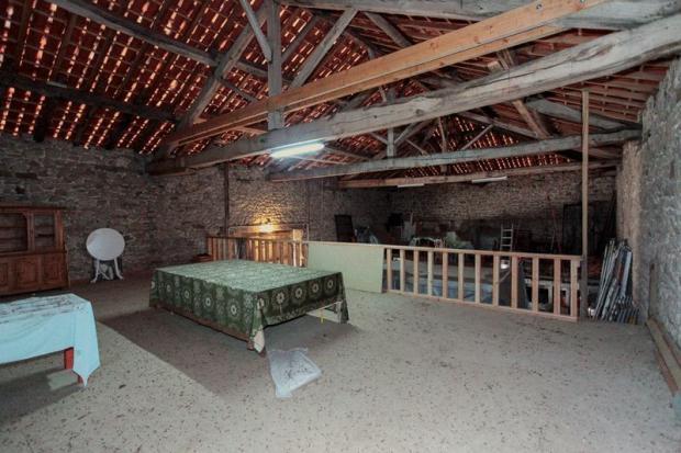 Mezzanine in barn