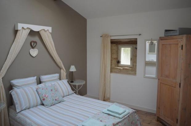 Studio bedroom 1