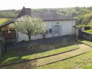 4 bedroom Detached property for sale in Proche/Near Champagne...