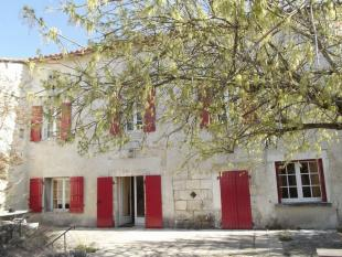 5 bed house for sale in Proche/Near Gout...