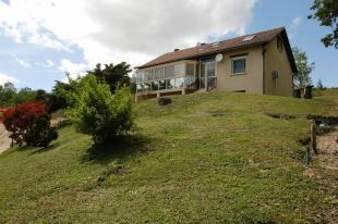 3 bedroom house in Proche/Near Grand...