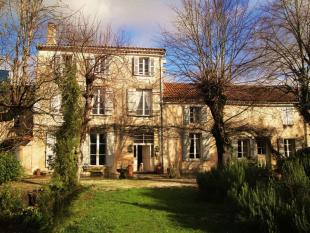 5 bed home for sale in Near Aubeterre, Charente
