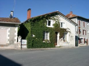 3 bedroom semi detached property in Secteur: Aubeterre...