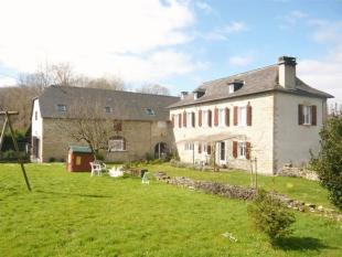 10 bedroom Country House in Secteur: Oloron Sainte...