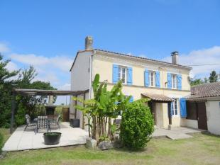 8 bed Character Property for sale in Proche / Near Pons...
