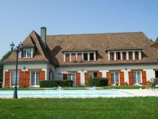5 bedroom home in Proche/Near Saint Jory...