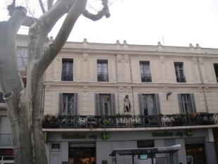 Proche/ Near Avignon Flat for sale