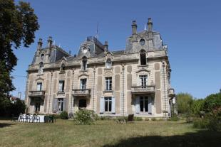 Secteur: Bazas Castle for sale