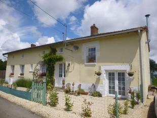 4 bed Village House for sale in Secteur: Charroux, Vienne