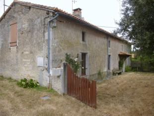 3 bed Character Property in Secteur: Charroux, Vienne