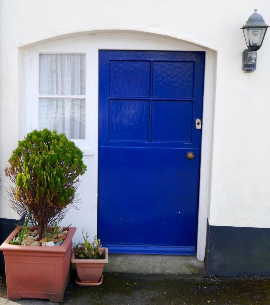 Garden Level Suite Cottage-esque entrance