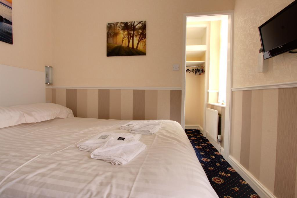Bedroom 9 (Double with Ensuite)
