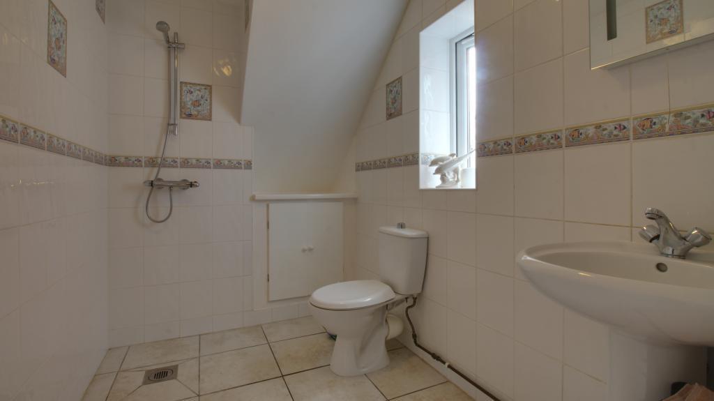 Bathroom (Wet Room)