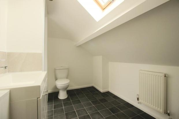 Bathroom (Ensuite to bedrooms 3 and4.)