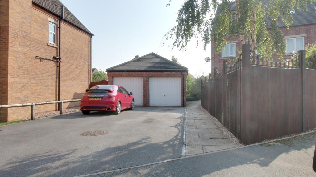 Drive & Garage