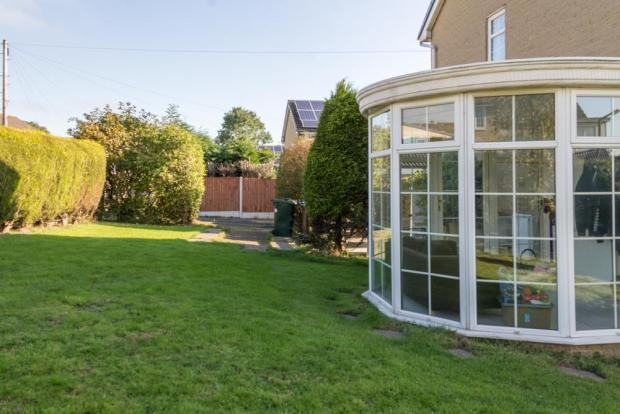 Garden with Conservatory