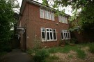Ground Flat to rent in Rushton Crescent...