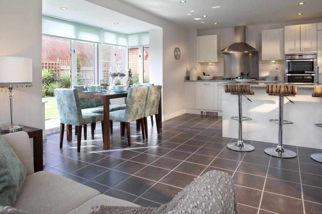 4 bedroom detached house for sale in london road for Buckingham choice floor plans