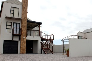 3 bedroom property for sale in Western Cape, Langebaan