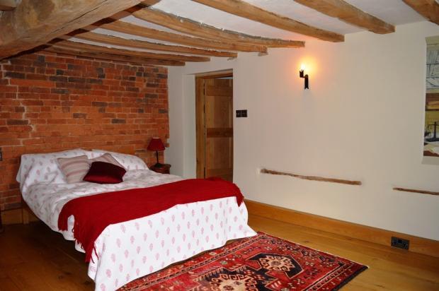 Master Bedroom En-su
