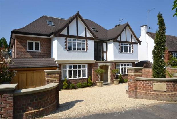 bedroom detached house for sale in lancaster avenue hadley wood
