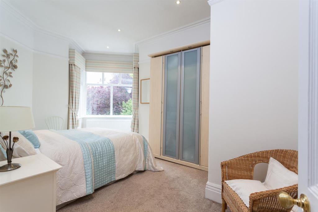 Bedroom3a.jpg