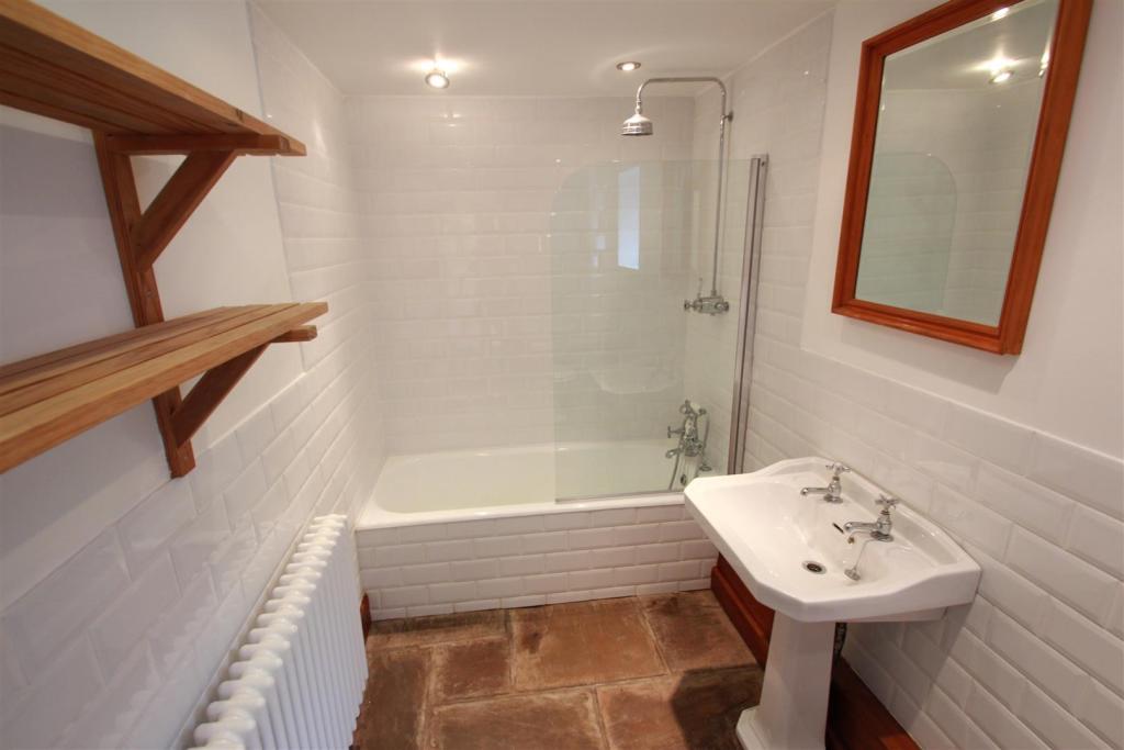 Arthog Road.Bath..JP