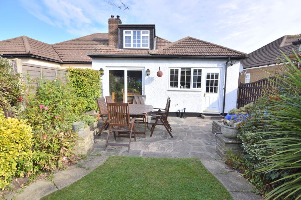 3 Bedroom Semi Detached Bungalow For Sale In Ricketts Drive Billericay Cm12 Cm12