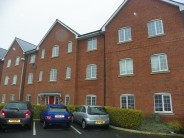 Flat to rent in Douglas Chase, Radcliffe