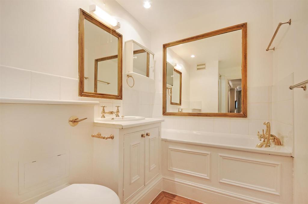 HHFJ bathroom 1.2.jp