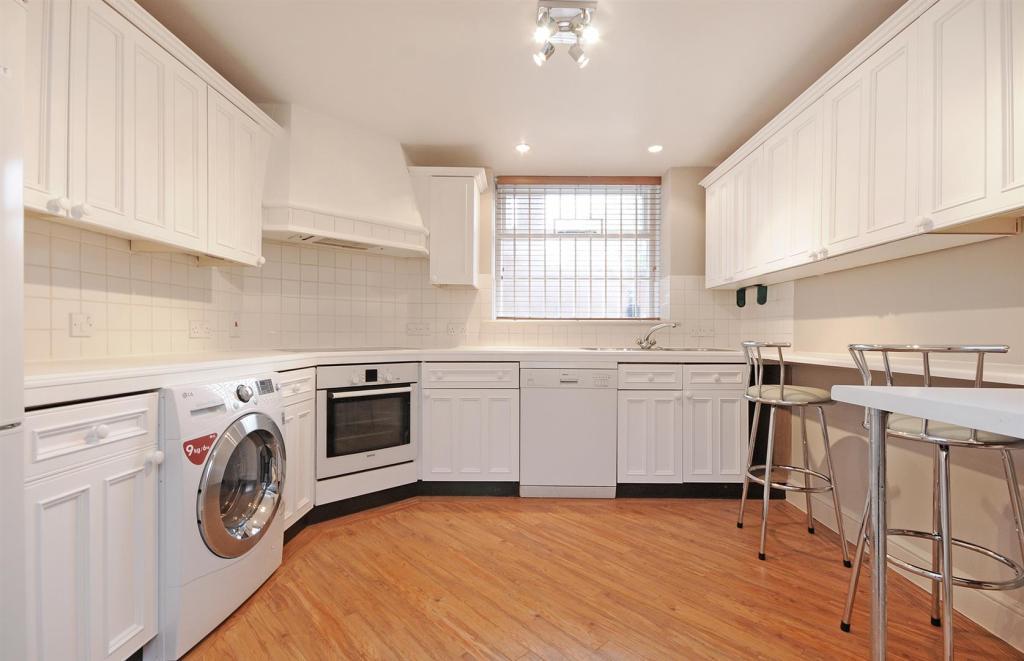 HHFJ kitchen .jpg